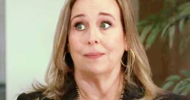General Hospital Spoilers & Rumors: Laura Spencer Must Give Up Being Mayor Because Of Cyrus?
