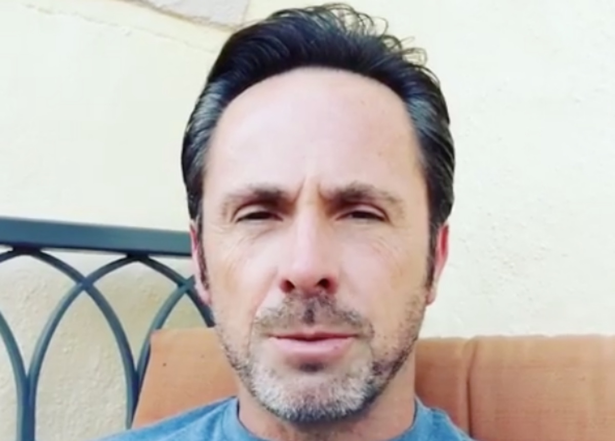 General Hospital (GH) Spoilers: Alum William deVry Cautions Fans Against An Imposter